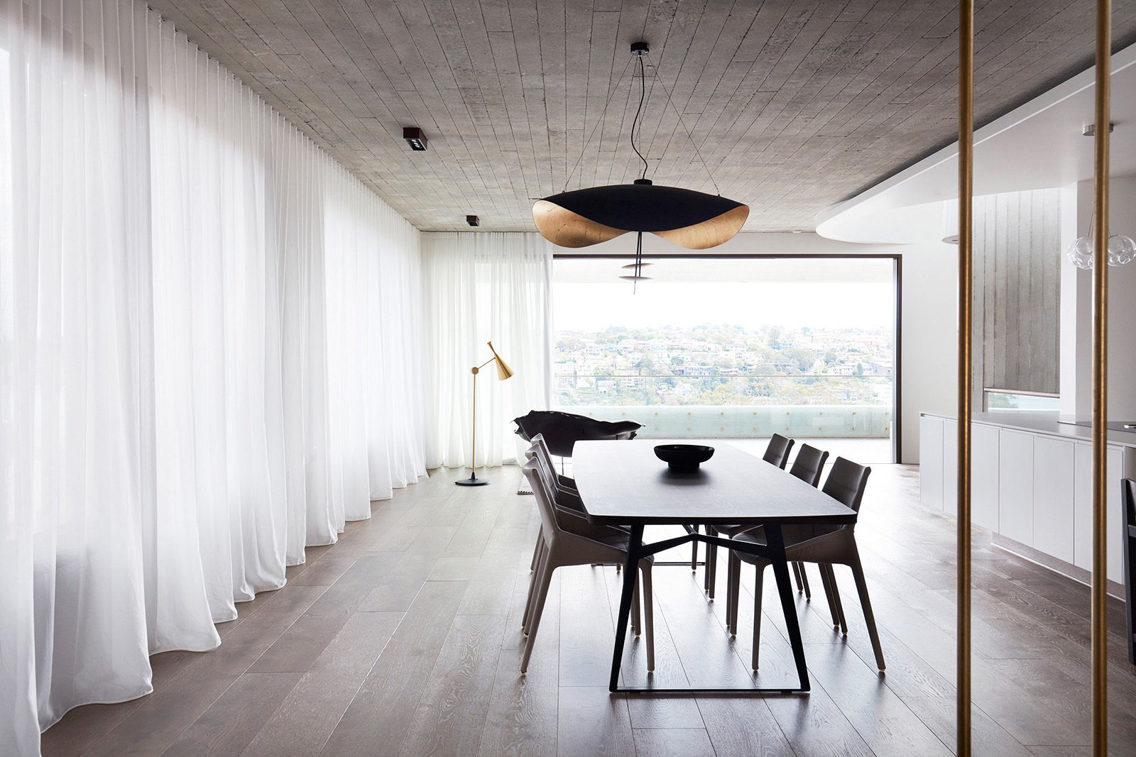The Books House by Luigi Rosselli Architects