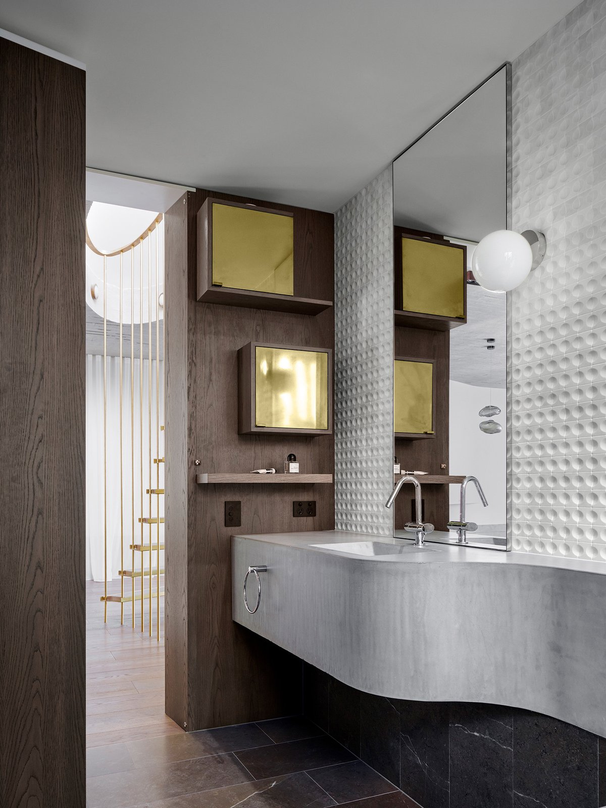 Bath Room  The Books House by Luigi Rosselli Architects