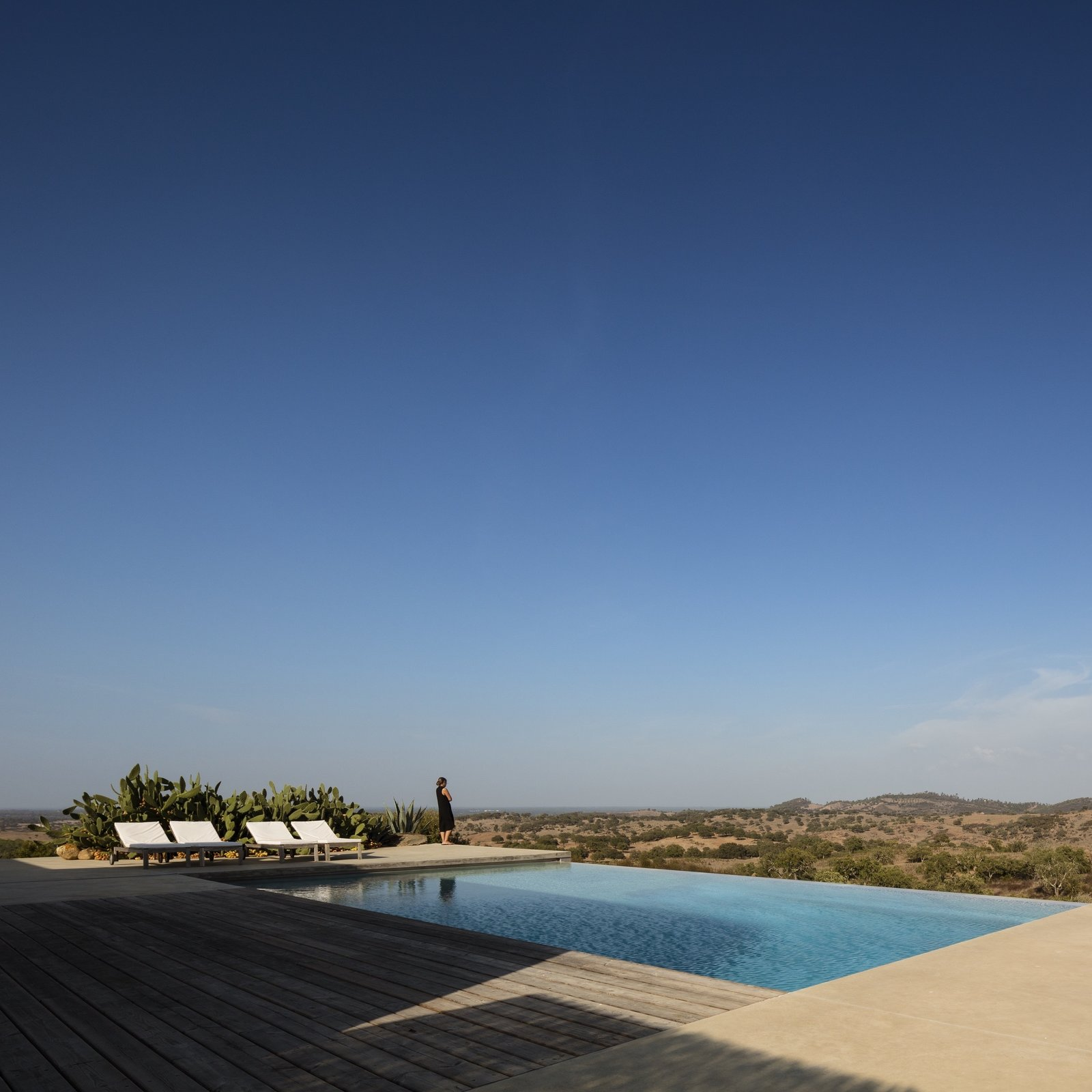 Grândola Residence by ColectivArquitectura