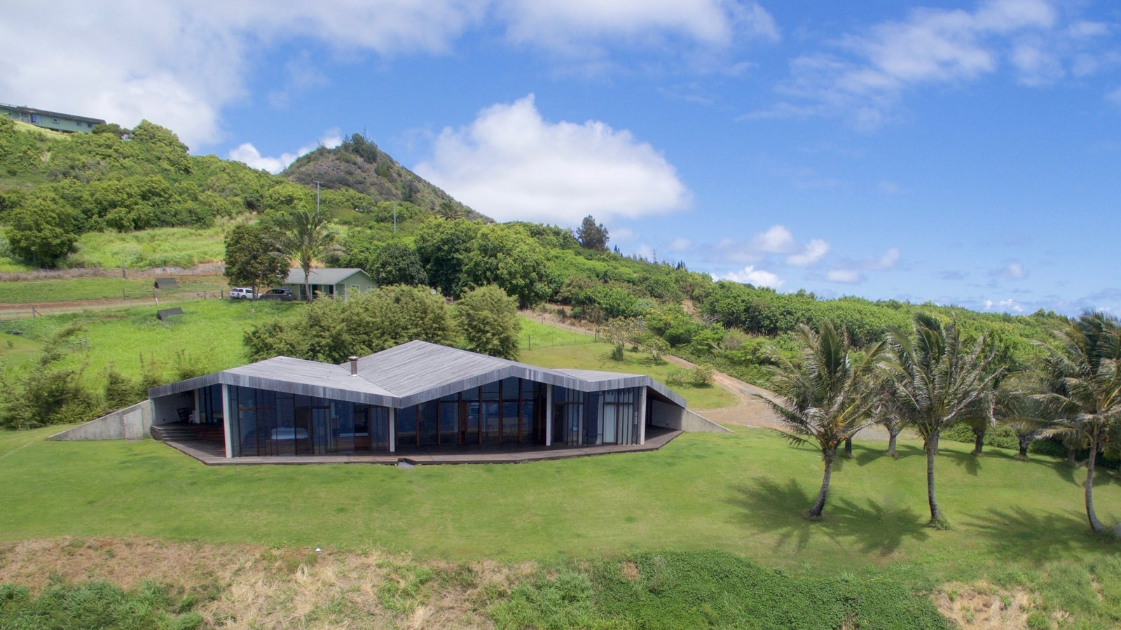 Exterior  The Clifftop House by Modern on Maui - Liam Ball