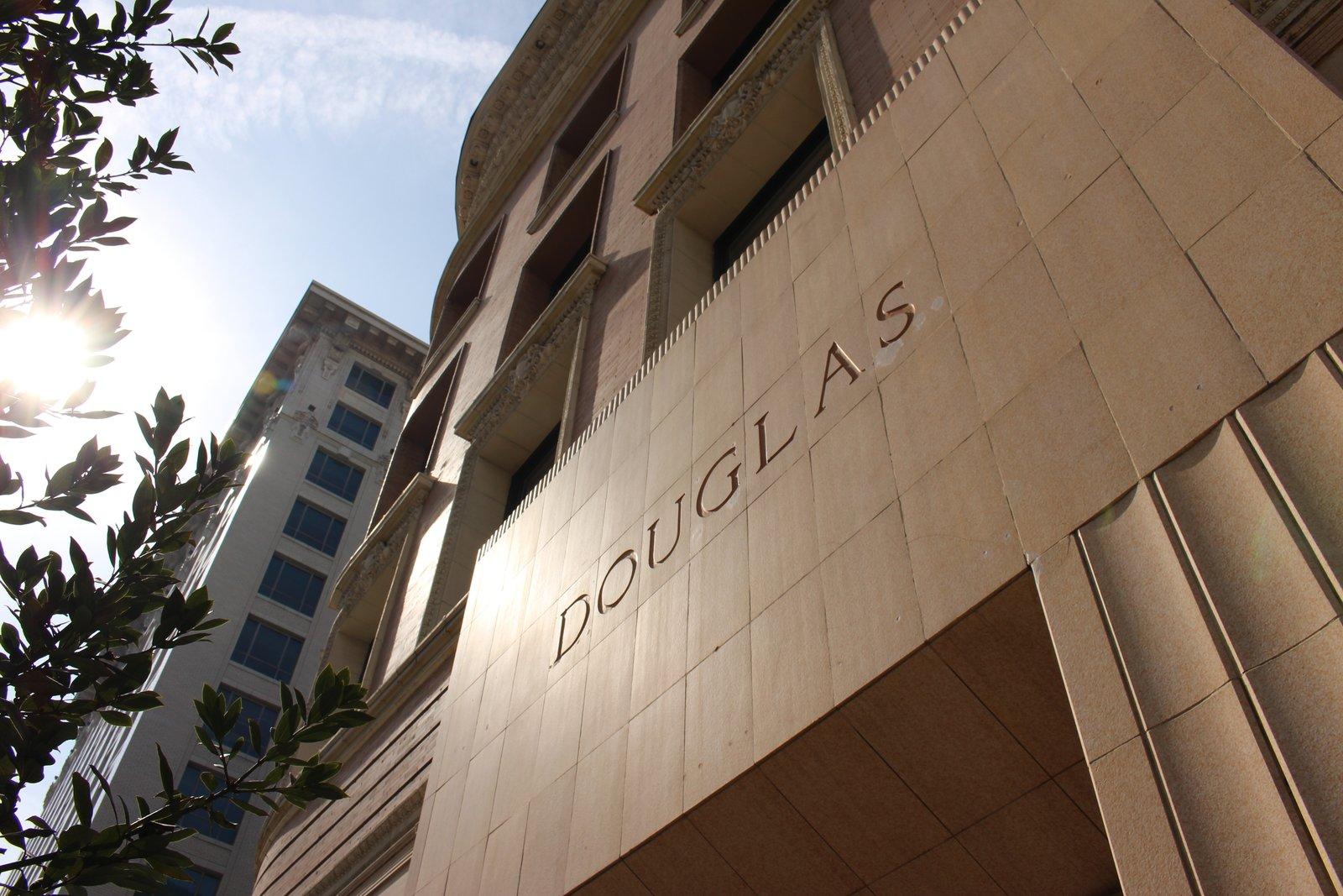 Photo 2 of 7 in Designer Douglas Loft For Sale