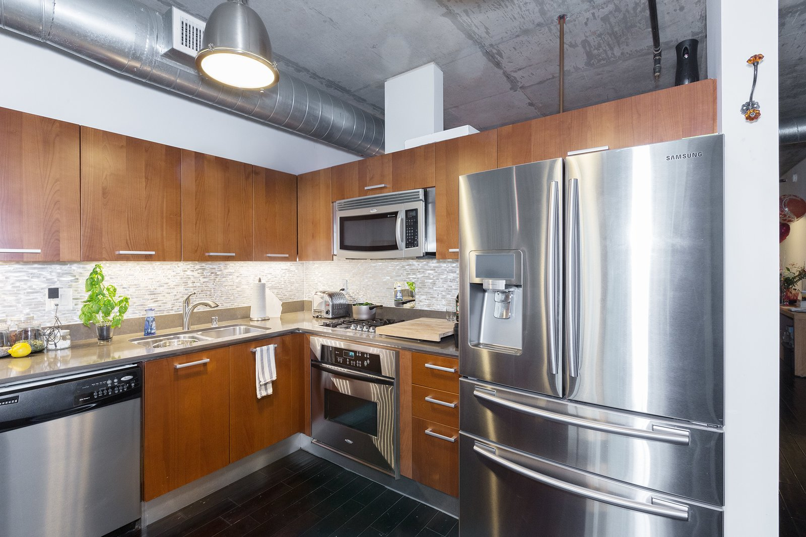 Photo 7 of 10 in Ultimate Urban Loft for Sale