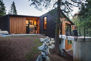 'Tis the Season to Win $5,000 in Custom-Made Prefabricated Railings from AGS Stainless on Dwell.com