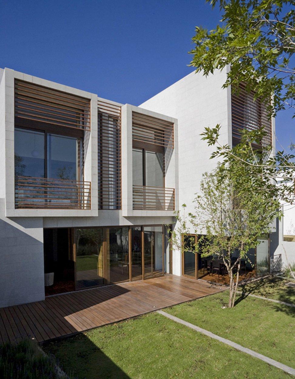 Casa LB by Serrano Monjaraz Arquitectos