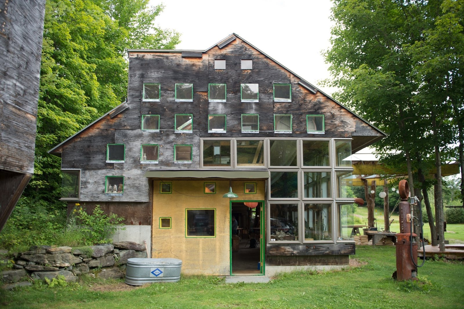 """Instead of building to preexisting designs and plans, the """"Father of the Design-Build Movement"""" and his disciples designed as they built Tagged: Exterior and House.  Photo 5 of 11 in Architecture Improv"""