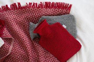 The Weavers of Lapua - Photo 3 of 20 - Lapuan Kankurit Keto blanket and Corona Uni hot-water bottles