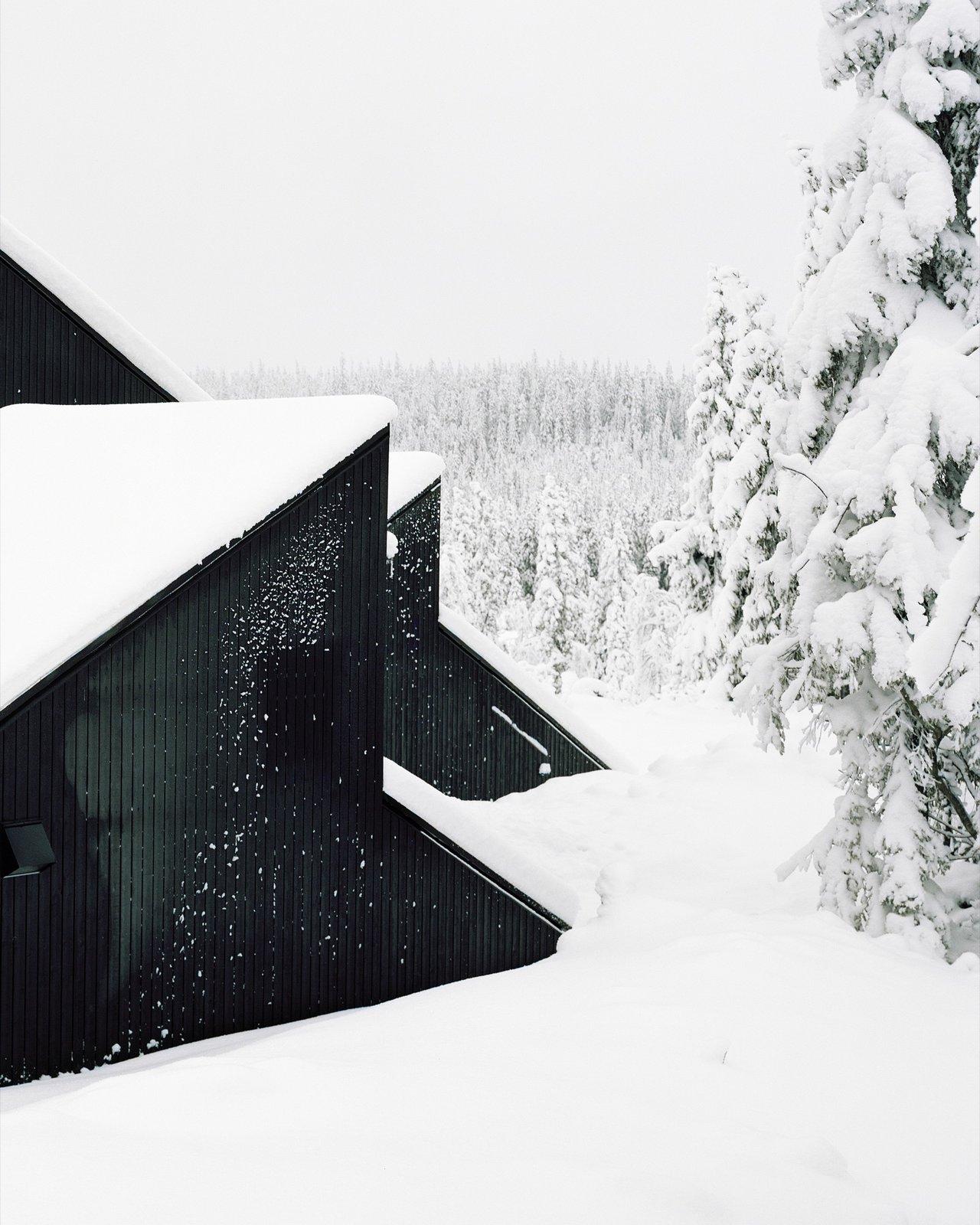 Photo 5 of 18 in The Vindheim Cabin: Snowbound in Norway