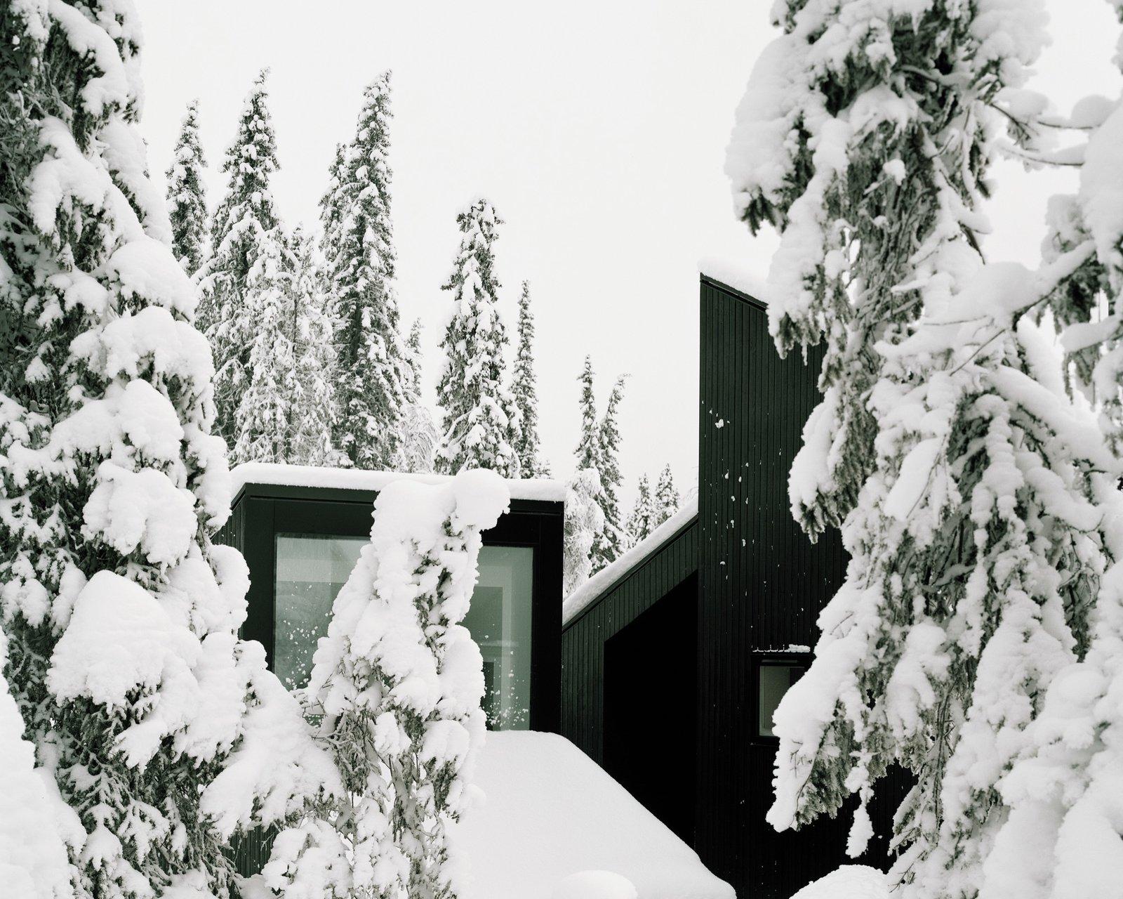 Photo 8 of 18 in The Vindheim Cabin: Snowbound in Norway