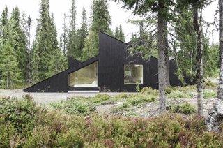 The Vindheim cabin in summer