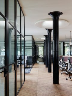 The New Shared Workspace We All Want to Move Into - Photo 11 of 14 -