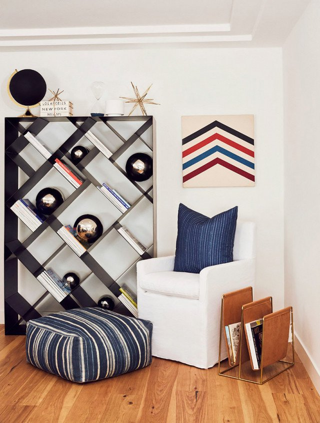 PHOTO: Chris Patey; DESIGN: Alexis Manfer, Inc.  Photo 9 of 18 in 9 Home Libraries We All Want to Curl Up in This Weekend