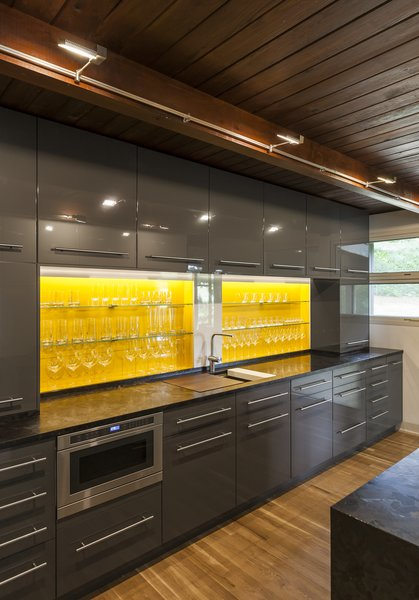 Hickman-Vaia Residence by Substance Architecture