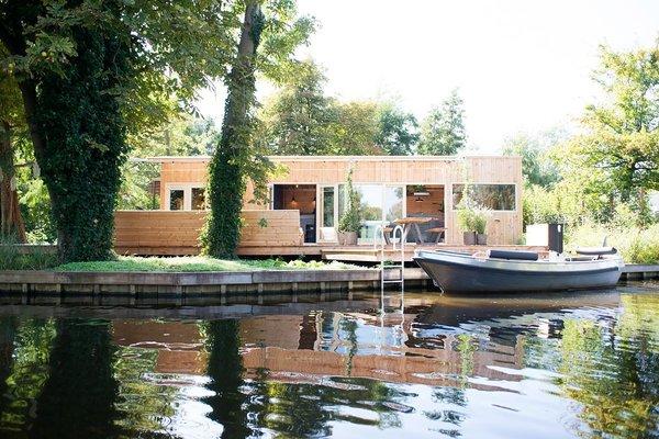Lake Island Cabin