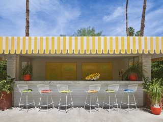 The lemonade stand at the Parker Palm Springs, complete with Bertoia Barstools.