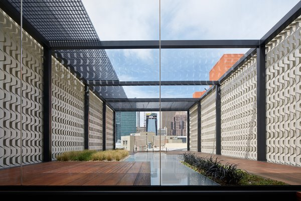 The custom privacy screen shields unwanted views and places the focus on downtown San Francisco.