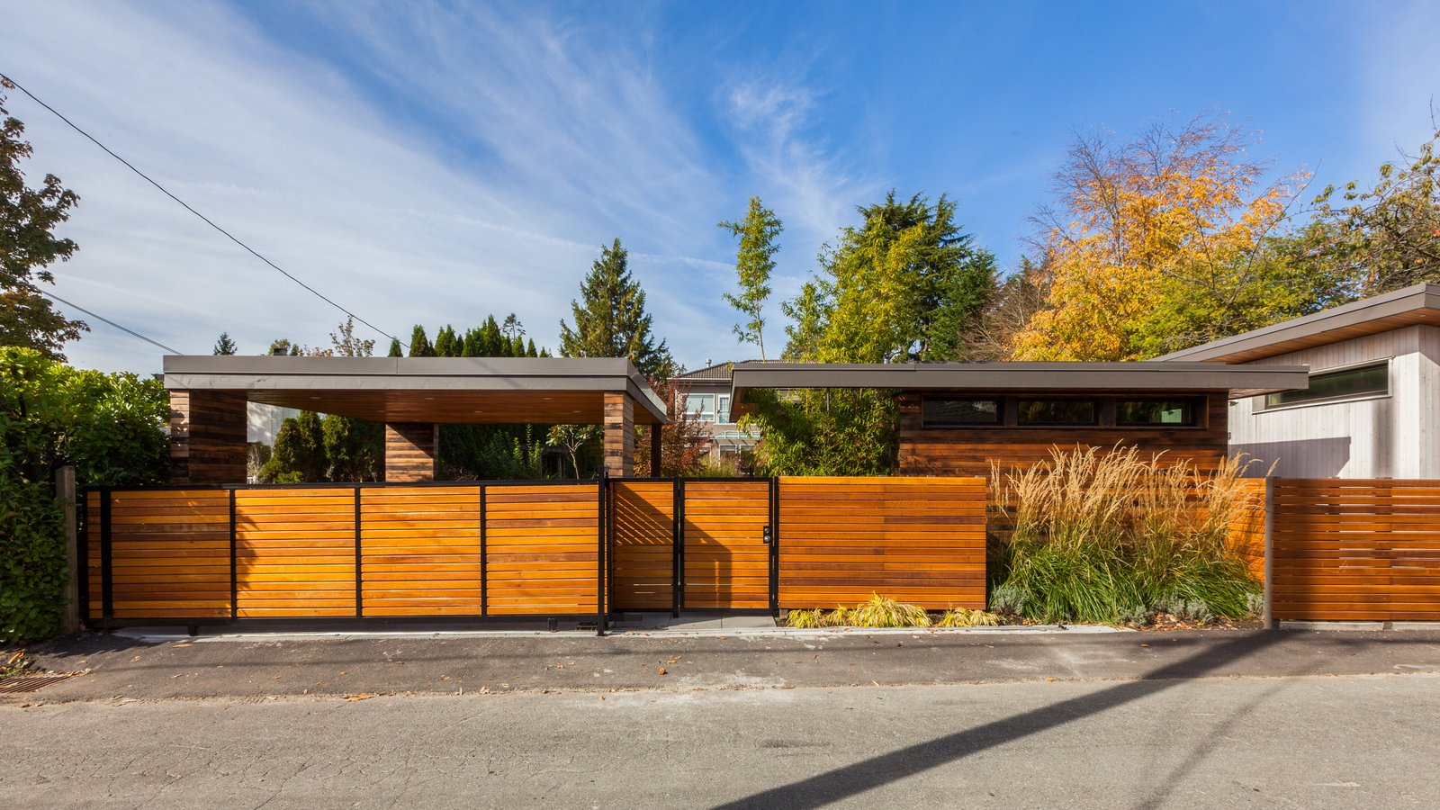 'Two Birds' Infill House by Lanefab Design/Build