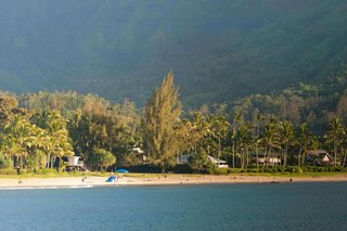 Hanalei Bay Villa – Contemporary Home on Hanalei Bay Offering Art & History