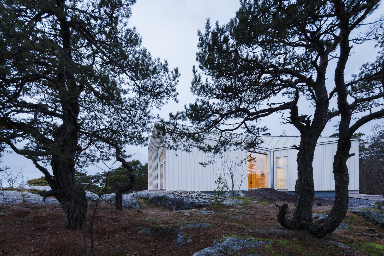 Outdoor  Photo 2 of 12 in A Modern Finnish Villa That Grows Out of a Seaside Cliff