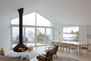A Modern Finnish Villa That Grows Out of a Seaside Cliff - Photo 3 of 11 -