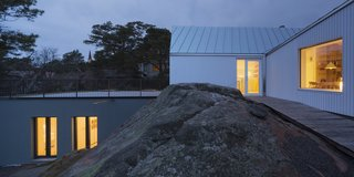 A Modern Finnish Villa That Grows Out of a Seaside Cliff - Photo 4 of 11 -