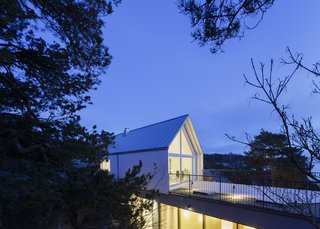 A Modern Finnish Villa That Grows Out of a Seaside Cliff - Photo 11 of 11 -