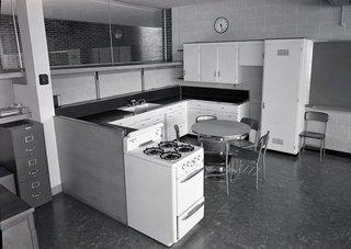 Northeast Intermediate School, Midland, Michigan by Alden B. Dow - Photo 2 of 5 -