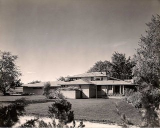 The Dr. Charles MacCallum Residence by Alden B. Dow