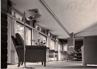 The Dr. Charles MacCallum Residence by Alden B. Dow - Photo 3 of 5 -