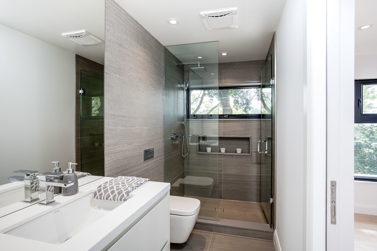 Bath Room  Modern Renovation