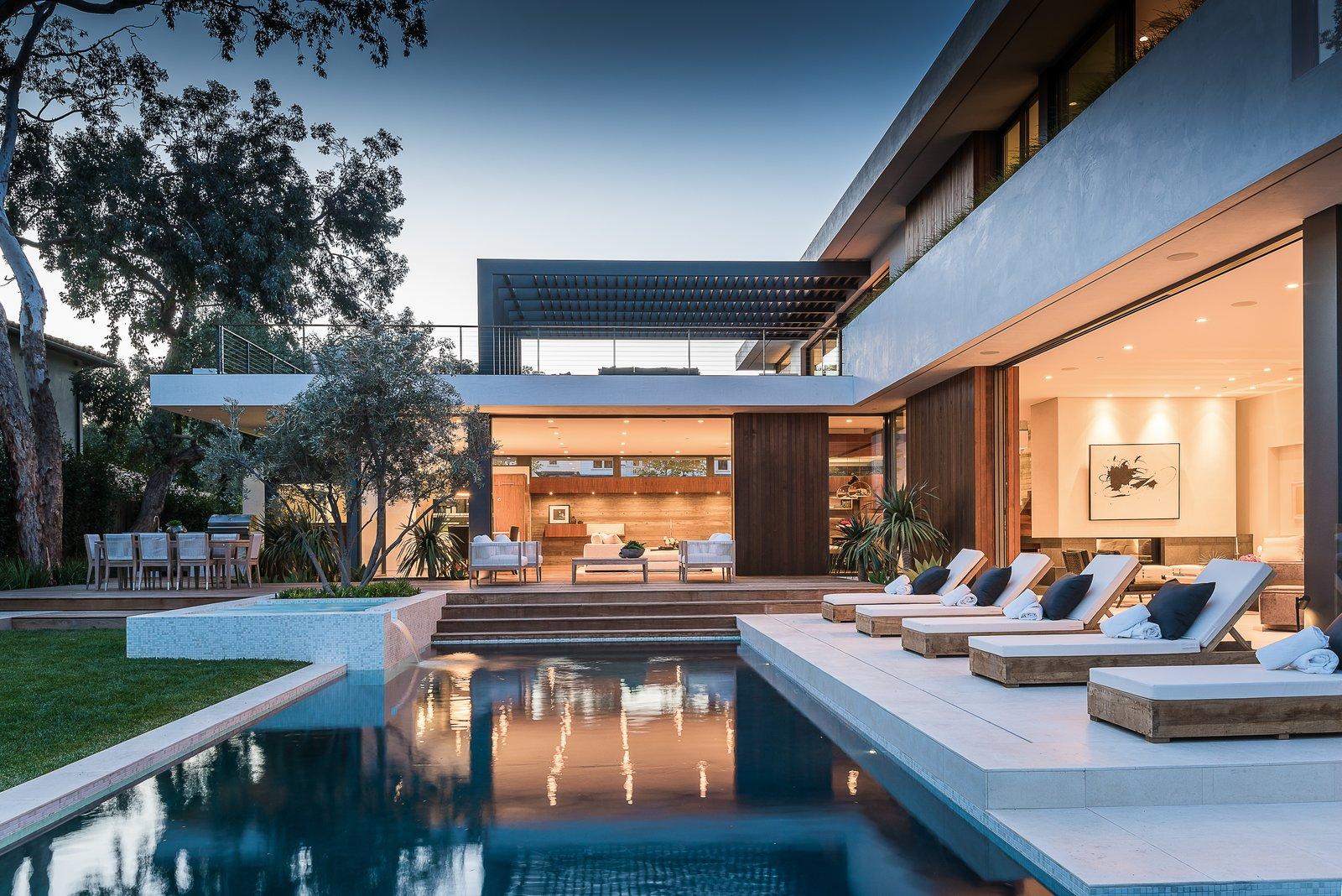 Pool  Amalfi Drive Residence