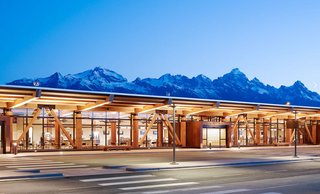 JACKSON AIRPORT – Carney Logan Burke, as the Associate Architect, collaborated with Gensler on the 110,000-square-foot, two-phase renovation and expansion of the existing airport in Grand Teton National Park. The heart of the project was the move from a previously clustered building into an open, functional, well-lit space that retained the region's character. Moreover, sustainable strategies and materials were featured throughout: low-flow plumbing fixtures, recycled materials, Forest Stewardship Council certified timber, and low-emitting paints and carpets, culminating in a LEED Silver rating. Photo by Matthew Millman.