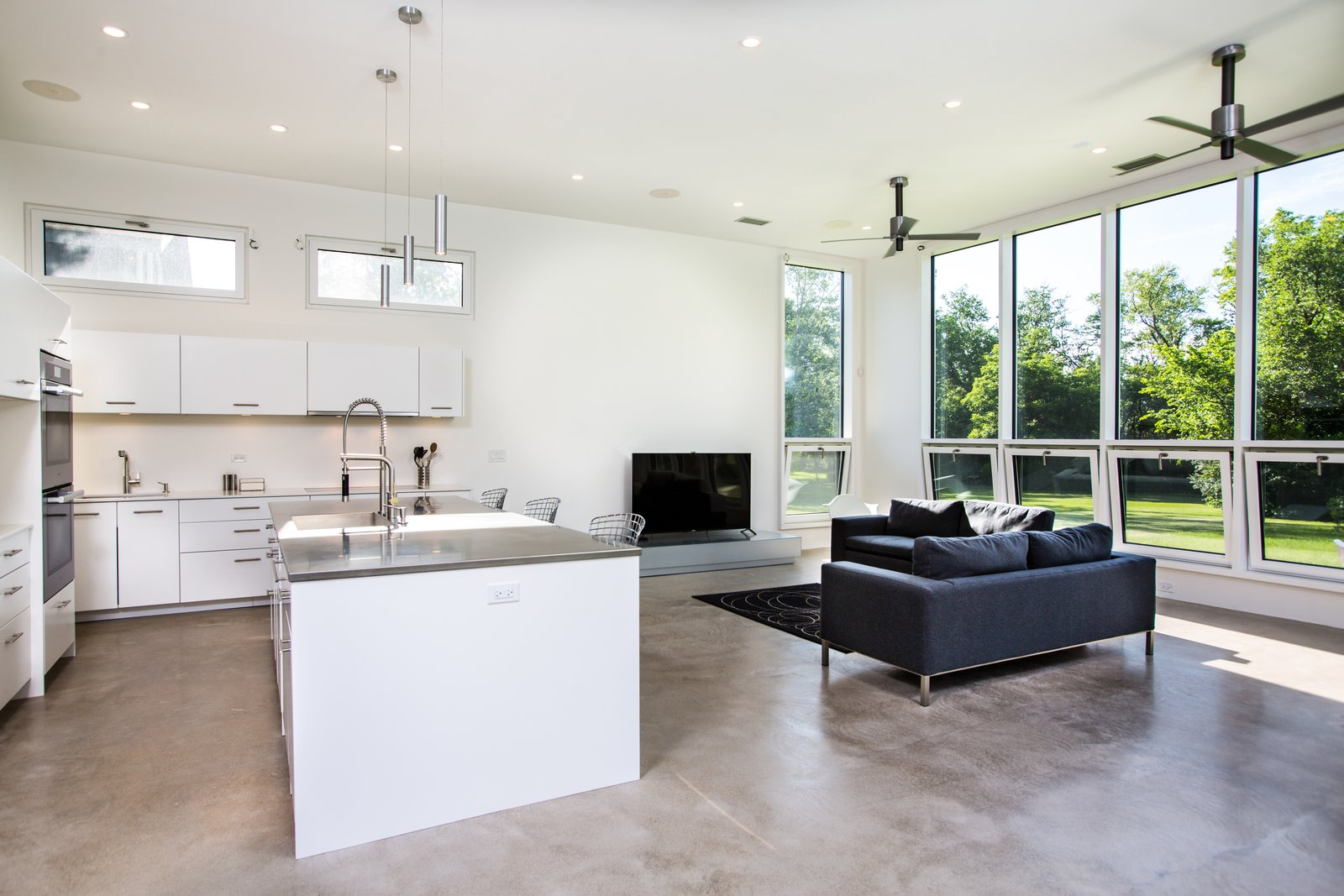 Itasca Modern by RS2 Architects
