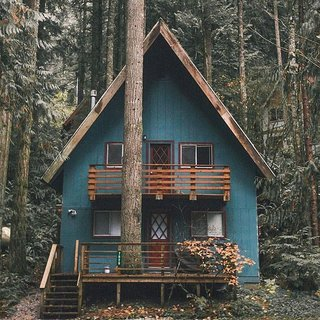 12 Cabin Escapes to Inspire Your Next Weekend Getaway - Photo 1 of 13 -
