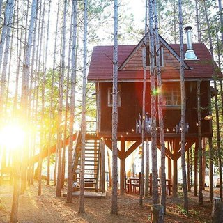 12 Cabin Escapes to Inspire Your Next Weekend Getaway - Photo 4 of 13 -