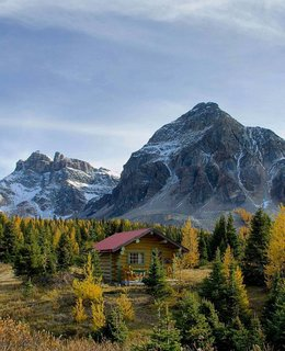 12 Cabin Escapes to Inspire Your Next Weekend Getaway - Photo 13 of 13 -