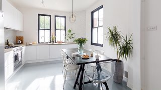 Located in Bethnal Green, an area with an increasing number of restaurants, bars, and vintage shops, The Old Eastender is a refurbished townhouse with plenty of natural light, a bright and airy kitchen, and bedrooms with warm wooden floors.