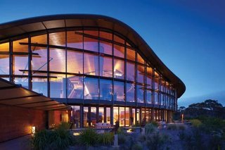 This Modern Tasmanian Resort  Reflects the Natural Forms Surrounding It - Photo 6 of 9 -