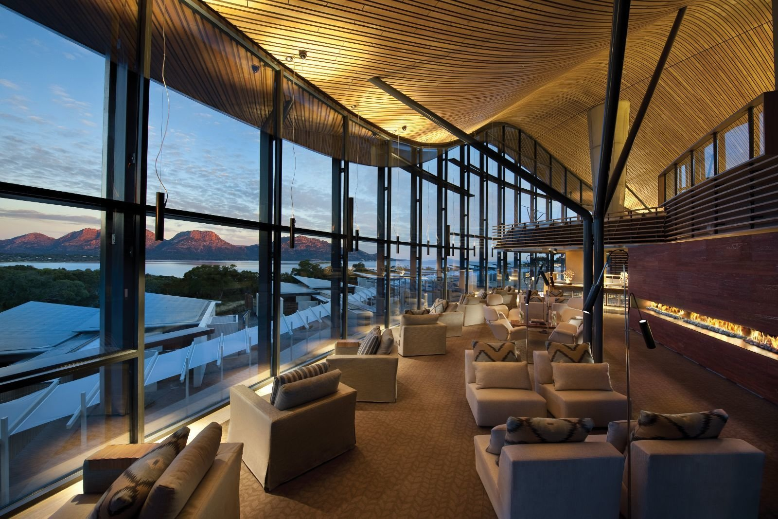 Photo 9 of 10 in This Modern Tasmanian Resort  Reflects the Natural Forms Surrounding It