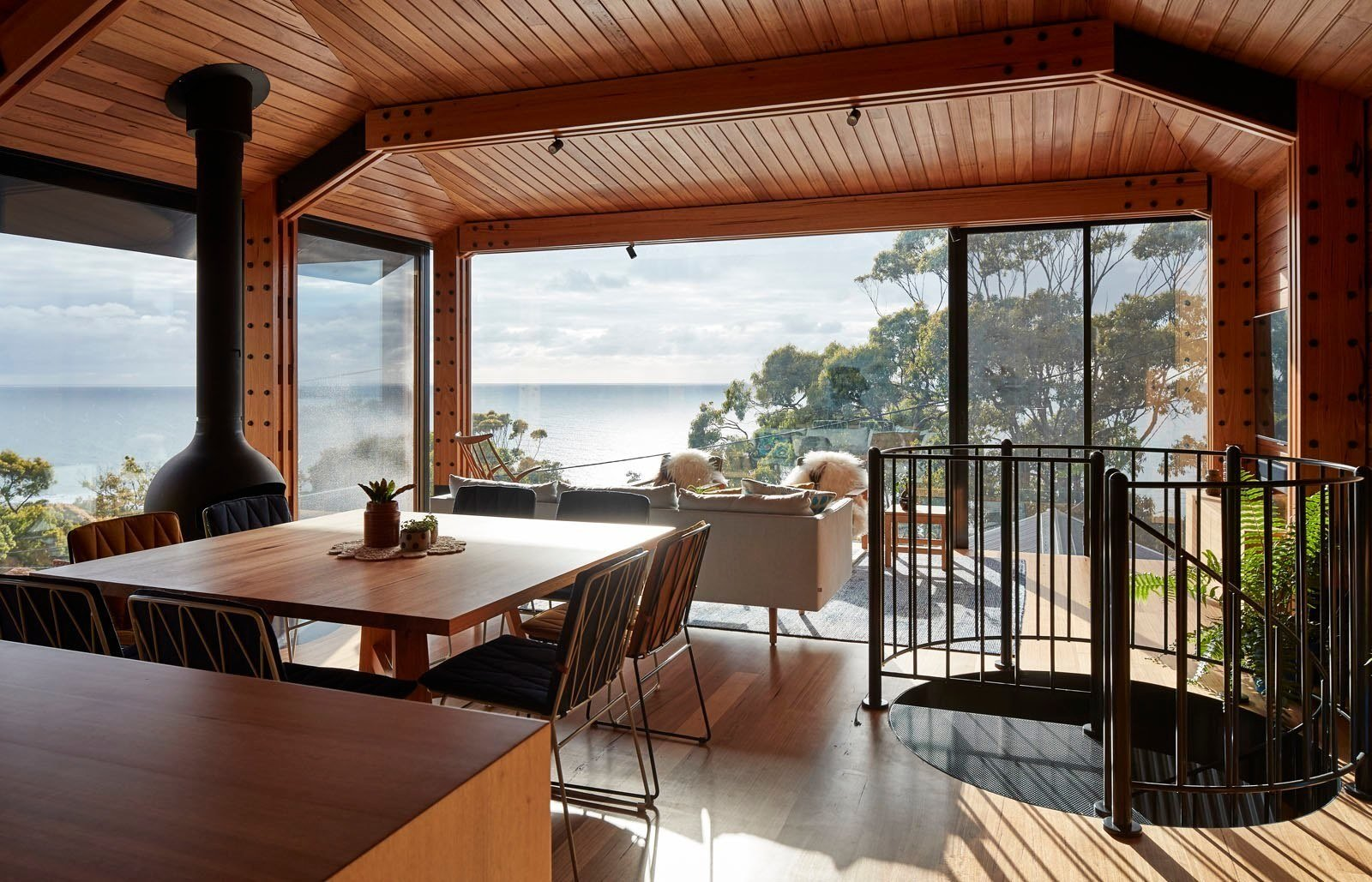 Photo 4 of 12 in A Great Ocean Road Shack With a View Gets a Sustainable Update