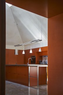Red Tin House That Makes the Most of Space and Light - Photo 4 of 9 -