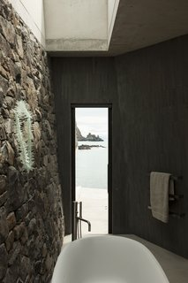 40 Modern Bathtubs That Soak In the View - Photo 20 of 40 -
