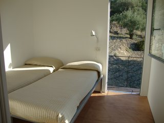 Stay in a Minimalist Villa in the Sicilian Countryside, Complete With Sea Views - Photo 10 of 11 -