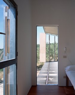 Stay in a Minimalist Villa in the Sicilian Countryside, Complete With Sea Views - Photo 9 of 11 -