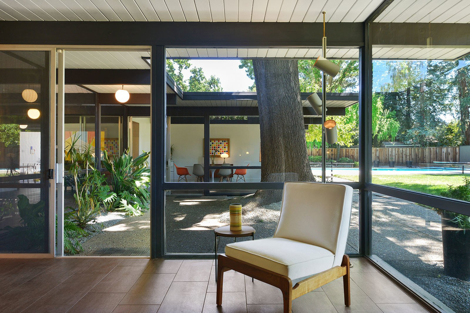 Photo 7 of 11 in Real Estate Roundup: 10 Midcentury Modern Eichlers For Sale from An Enormous Bay Area Eichler Asks $1.45M