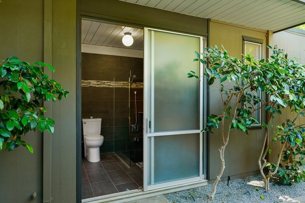 An Enormous Bay Area Eichler Asks $1.45M - Photo 7 of 14 -