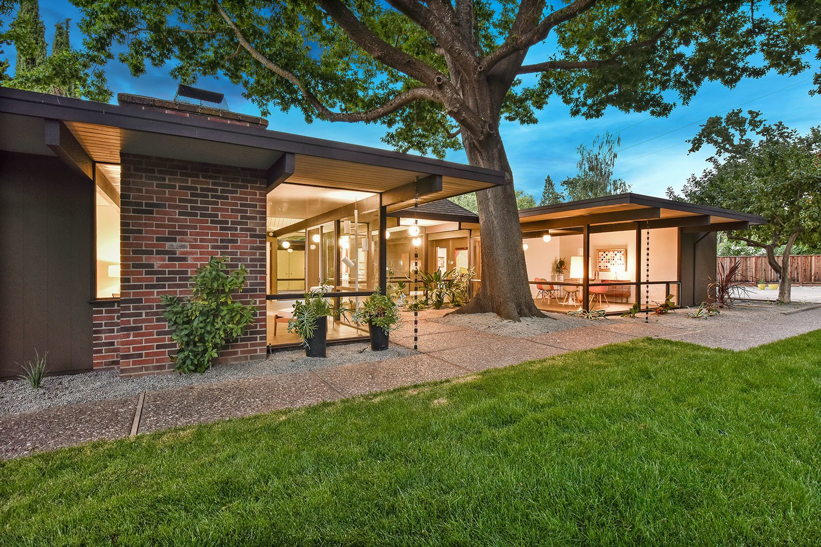 Outdoor, Back Yard, and Grass  Photo 15 of 15 in An Enormous Bay Area Eichler Asks $1.45M