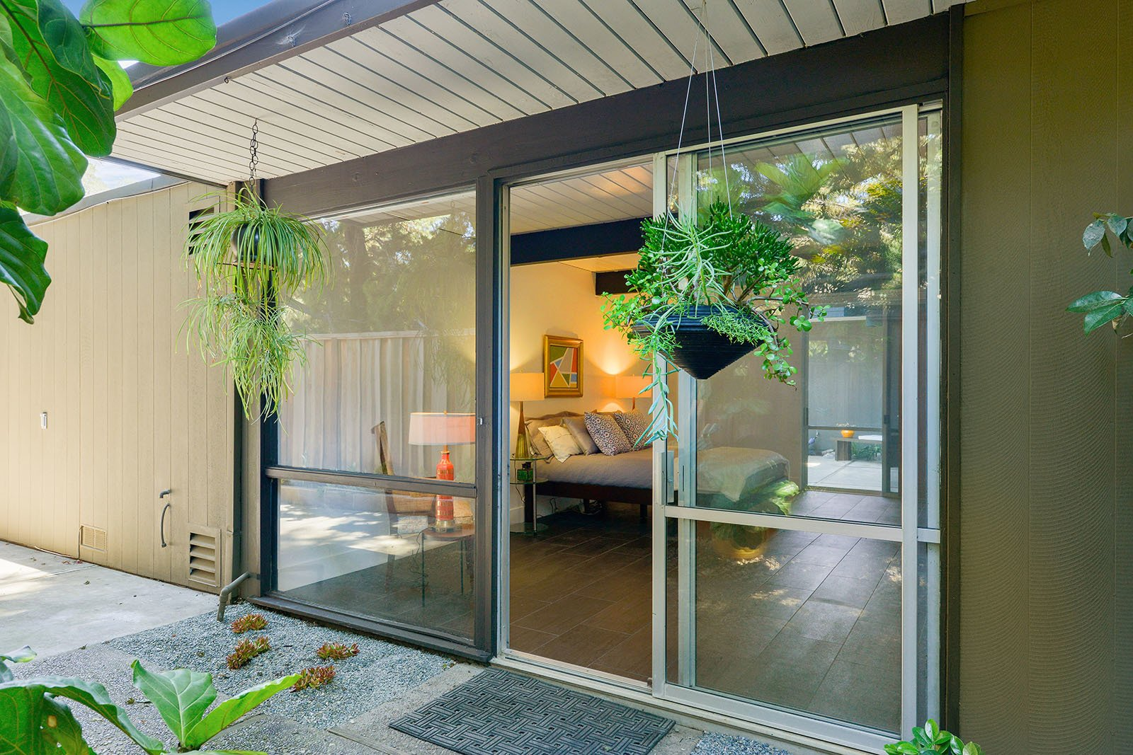 Photo 12 of 15 in An Enormous Bay Area Eichler Asks $1.45M
