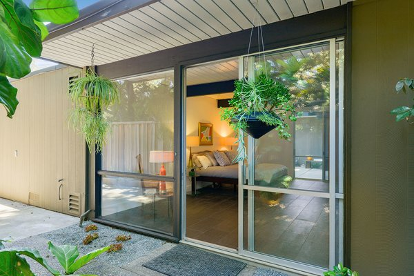 An Enormous Bay Area Eichler Asks $1.45M - Photo 11 of 14 -