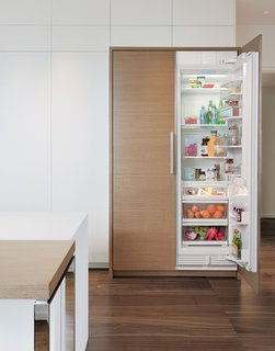 Integrated built-in refrigeration unit with smart-touch controls from Sub-Zero.
