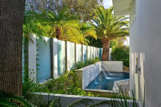 Actor Brendan Fraser's Former Beverly Hills Home Is For Sale For $4.25 Million - Photo 11 of 12 -